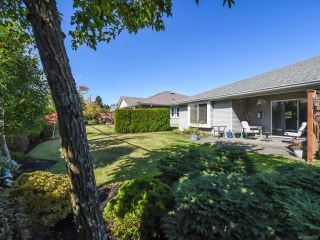 Photo 28: 110 2077 St Andrews Way in COURTENAY: CV Courtenay East Row/Townhouse for sale (Comox Valley)  : MLS®# 825107