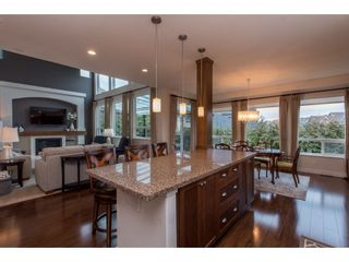 """Photo 5: 2060 RIESLING Drive in Abbotsford: Aberdeen House for sale in """"Pepin Brook"""" : MLS®# R2435586"""