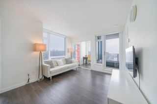 """Photo 2: 2507 5665 BOUNDARY Road in Vancouver: Collingwood VE Condo for sale in """"WALL CENTRE CENTRAL PARK SOUTH"""" (Vancouver East)  : MLS®# R2539277"""