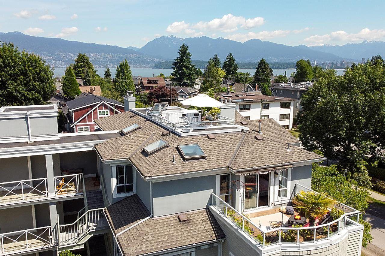 Main Photo: PH3 3220 W 4TH AVENUE in Vancouver: Kitsilano Condo for sale (Vancouver West)  : MLS®# R2595586