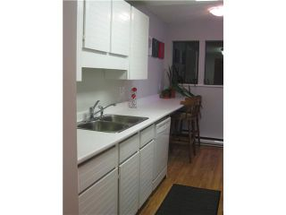 """Photo 4: 4 251 W 14TH Street in North Vancouver: Central Lonsdale Townhouse for sale in """"THE TIMBERS"""" : MLS®# V877713"""
