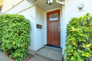 Photo 5: 111 1709 McKenzie Ave in Saanich: SE Mt Tolmie Row/Townhouse for sale (Saanich East)  : MLS®# 883098