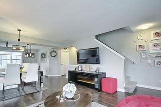 Photo 13: 111 Evanscrest Gardens NW in Calgary: Evanston Row/Townhouse for sale : MLS®# A1135885