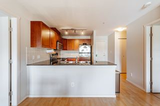 """Photo 3: 411 315 KNOX Street in New Westminster: Sapperton Condo for sale in """"San Marino"""" : MLS®# R2620316"""