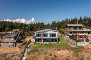 Photo 3: 574 Andrew Ave in : CV Comox Peninsula House for sale (Comox Valley)  : MLS®# 880111