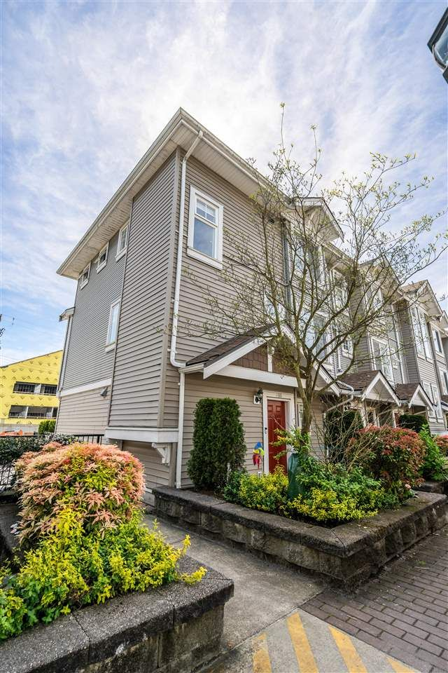 Main Photo: 406 4025 NORFOLK Street in Burnaby: Central BN Townhouse for sale (Burnaby North)  : MLS®# R2577324