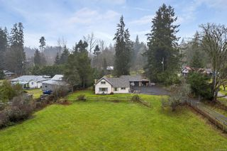 Photo 2: 4325 Cowichan Lake Rd in : Du West Duncan House for sale (Duncan)  : MLS®# 861635