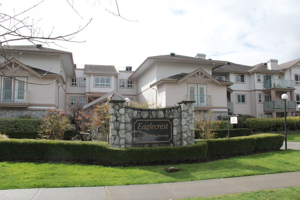 """Main Photo: 305 22150 48 Avenue in Langley: Murrayville Condo for sale in """"Eaglecrest"""" : MLS®# R2149684"""