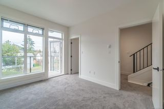 Photo 5: 105 308 Hillcrest Ave in : Na University District Multi Family for sale (Nanaimo)  : MLS®# 866425