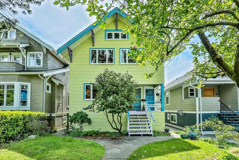 Main Photo: 3556 W 5th Avenue in Vancouver: Kitsilano Triplex for sale : MLS®# R2370289
