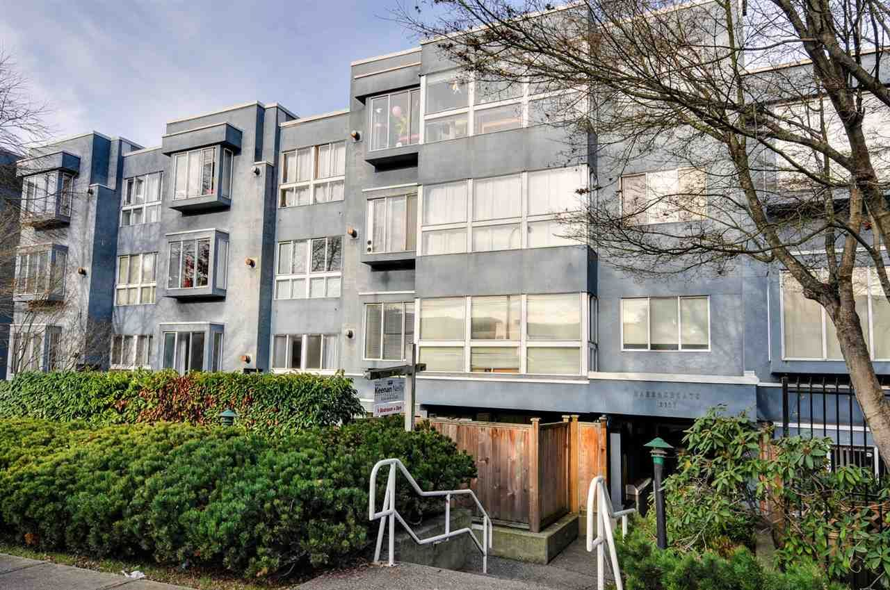 "Main Photo: 208 2133 DUNDAS Street in Vancouver: Hastings Condo for sale in ""HARBOUR GATE"" (Vancouver East)  : MLS®# R2227783"