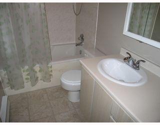 Photo 7: 451 WILSON Street in New_Westminster: Sapperton House for sale (New Westminster)  : MLS®# V770188