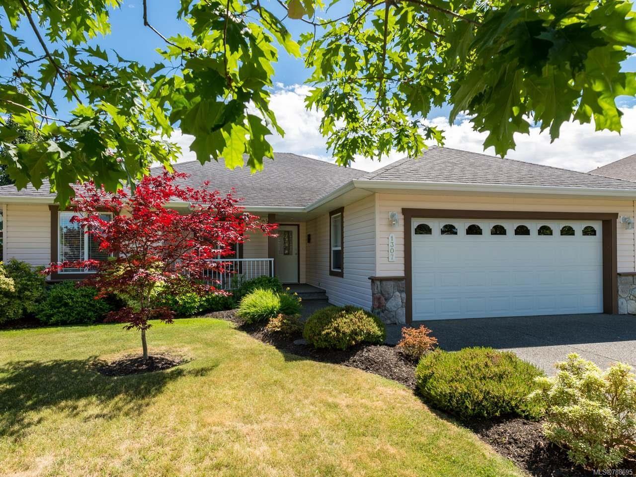 Main Photo: 1307 Ridgemount Dr in COMOX: CV Comox (Town of) House for sale (Comox Valley)  : MLS®# 788695