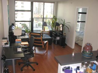 "Photo 2: 802 1295 RICHARDS Street in Vancouver: Downtown VW Condo for sale in ""OSCAR"" (Vancouver West)  : MLS®# R2213987"