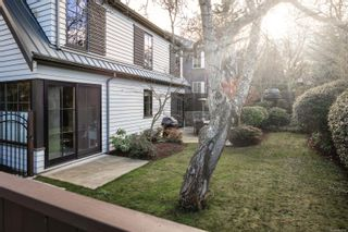 Photo 33: 2001 Runnymede Ave in Victoria: Vi Fairfield East House for sale : MLS®# 865939