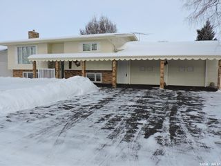 Photo 2: 202 Garvin Crescent in Canora: Residential for sale : MLS®# SK840545