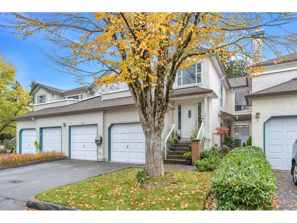 """Main Photo: 55 10038 150 Street in Surrey: Guildford Townhouse for sale in """"MAYFIELD GREEN"""" (North Surrey)  : MLS®# R2623721"""