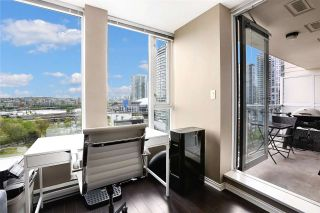 """Photo 3: 1211 550 TAYLOR Street in Vancouver: Downtown VW Condo for sale in """"The Taylor"""" (Vancouver West)  : MLS®# R2575257"""