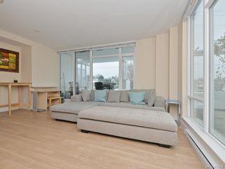 Photo 3: 302 1090 Johnson St in Victoria: Vi Downtown Condo for sale : MLS®# 750438