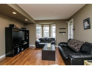 """Photo 11: 207 5488 198TH Street in Langley: Langley City Condo for sale in """"BROOKLYN WYND"""" : MLS®# F1436607"""