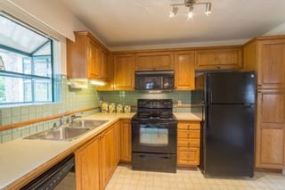 Photo 4: 204 3788 W 8TH Avenue in Vancouver: Point Grey Condo for sale (Vancouver West)  : MLS®# R2297649