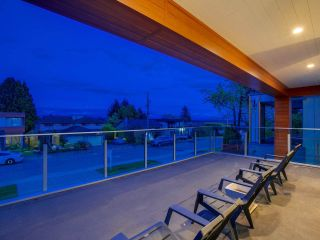 Photo 4: 1251 KENT STREET: White Rock House for sale (South Surrey White Rock)  : MLS®# R2562536