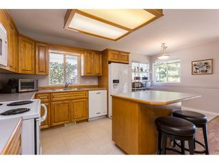 Photo 10: 21102 LAKEVIEW Crescent in Hope: Hope Kawkawa Lake House for sale : MLS®# R2612402