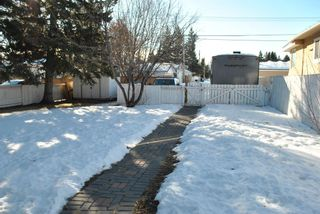 Photo 2: 4811 Vienna Drive NW in Calgary: Varsity Detached for sale : MLS®# A1061126