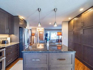 Photo 12: 327 Wascana Road SE in Calgary: Willow Park Detached for sale : MLS®# A1085818