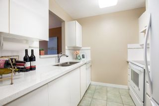 Photo 10: 1605 6622 SOUTHOAKS CRESCENT in Burnaby: Highgate Condo for sale (Burnaby South)  : MLS®# R2313314