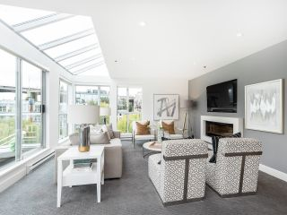 """Photo 5: 407 1551 MARINER Walk in Vancouver: False Creek Condo for sale in """"LAGOONS"""" (Vancouver West)  : MLS®# R2383720"""