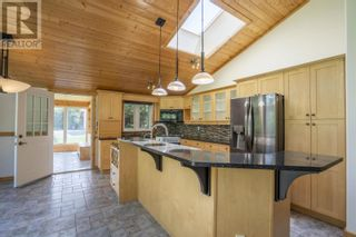 Photo 7: 25890 FIELD ROAD in Prince George: House for sale : MLS®# R2602085