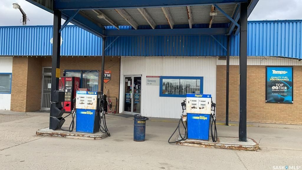 Main Photo: 301 Railway Avenue in Vanscoy: Commercial for sale : MLS®# SK872075