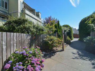 Photo 1: 203 A 2250 MANOR PLACE in COMOX: CV Comox (Town of) Condo for sale (Comox Valley)  : MLS®# 781804