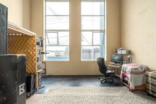 """Photo 10: 212 1220 E PENDER Street in Vancouver: Mount Pleasant VE Condo for sale in """"THE WORKSHOP"""" (Vancouver East)  : MLS®# R2053903"""