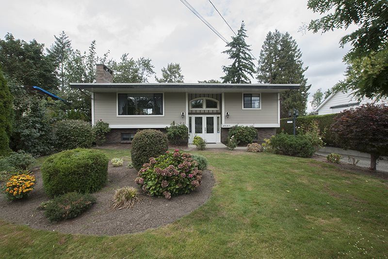 Main Photo: 48183 YALE Road in Chilliwack: East Chilliwack House for sale : MLS®# R2209781