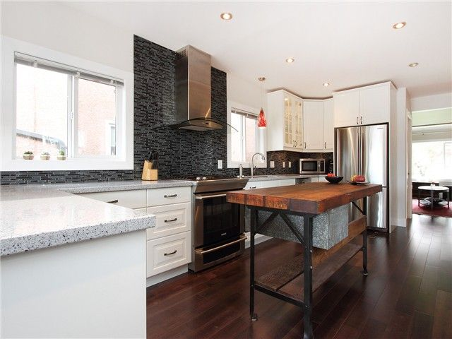 Photo 3: Photos: 1249 E 29TH AV in Vancouver: Knight House for sale (Vancouver East)  : MLS®# V1066592