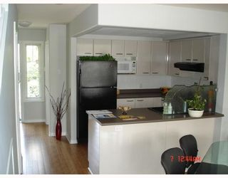 Photo 3: 1310 MAHON Avenue in North_Vancouver: Central Lonsdale Townhouse for sale (North Vancouver)  : MLS®# V710880