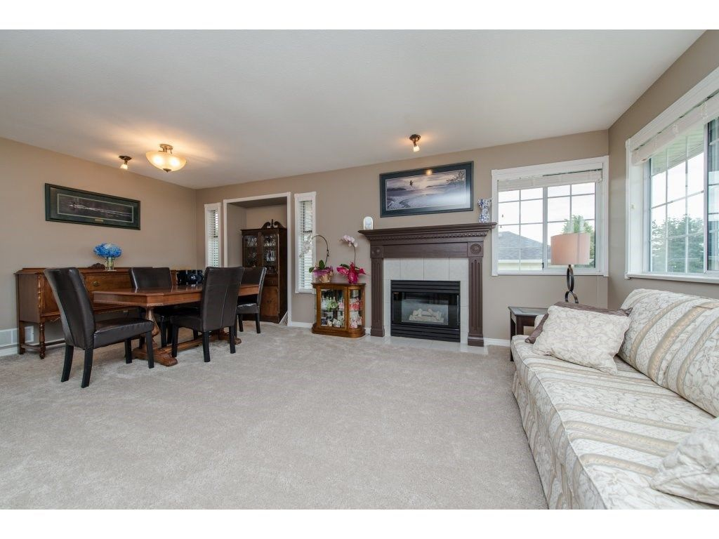 """Photo 9: Photos: 27091 24A Avenue in Langley: Aldergrove Langley House for sale in """"South Aldergrove"""" : MLS®# R2080123"""