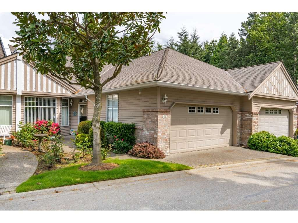 """Main Photo: 54 2533 152 Street in Surrey: Sunnyside Park Surrey Townhouse for sale in """"BISHOPS GREEN"""" (South Surrey White Rock)  : MLS®# R2456526"""