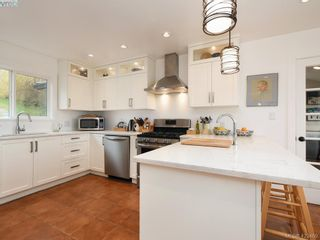 Photo 12: 1217 Mt. Newton Cross Rd in SAANICHTON: CS Inlet House for sale (Central Saanich)  : MLS®# 836296