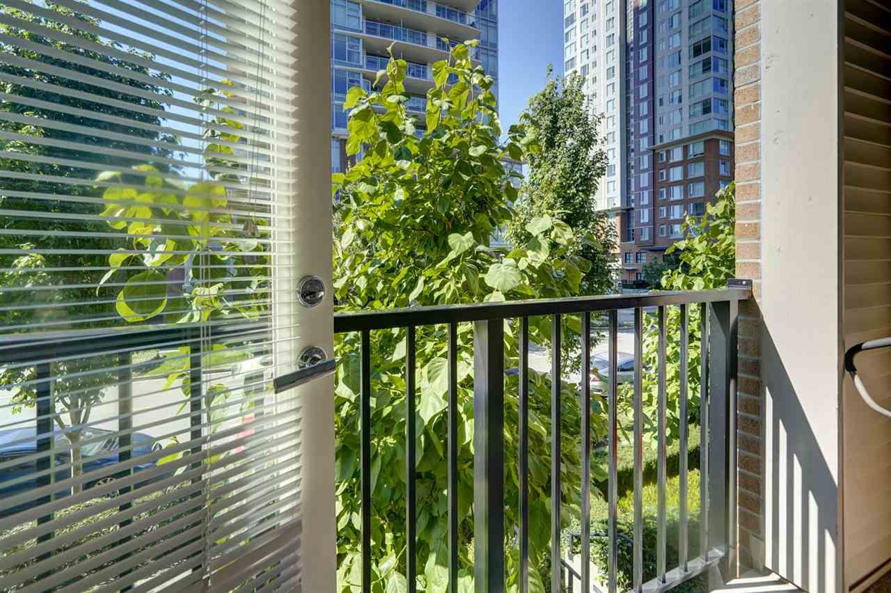 """Photo 31: Photos: 216 3107 WINDSOR Gate in Coquitlam: New Horizons Condo for sale in """"BRADLEY HOUSE"""" : MLS®# R2481599"""