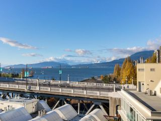 Photo 2: 1004 1000 BEACH Avenue in Vancouver: Yaletown Condo for sale (Vancouver West)  : MLS®# R2356596