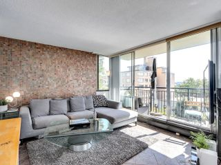 """Photo 4: 404 1534 HARWOOD Street in Vancouver: West End VW Condo for sale in """"St Pierre"""" (Vancouver West)  : MLS®# R2609821"""