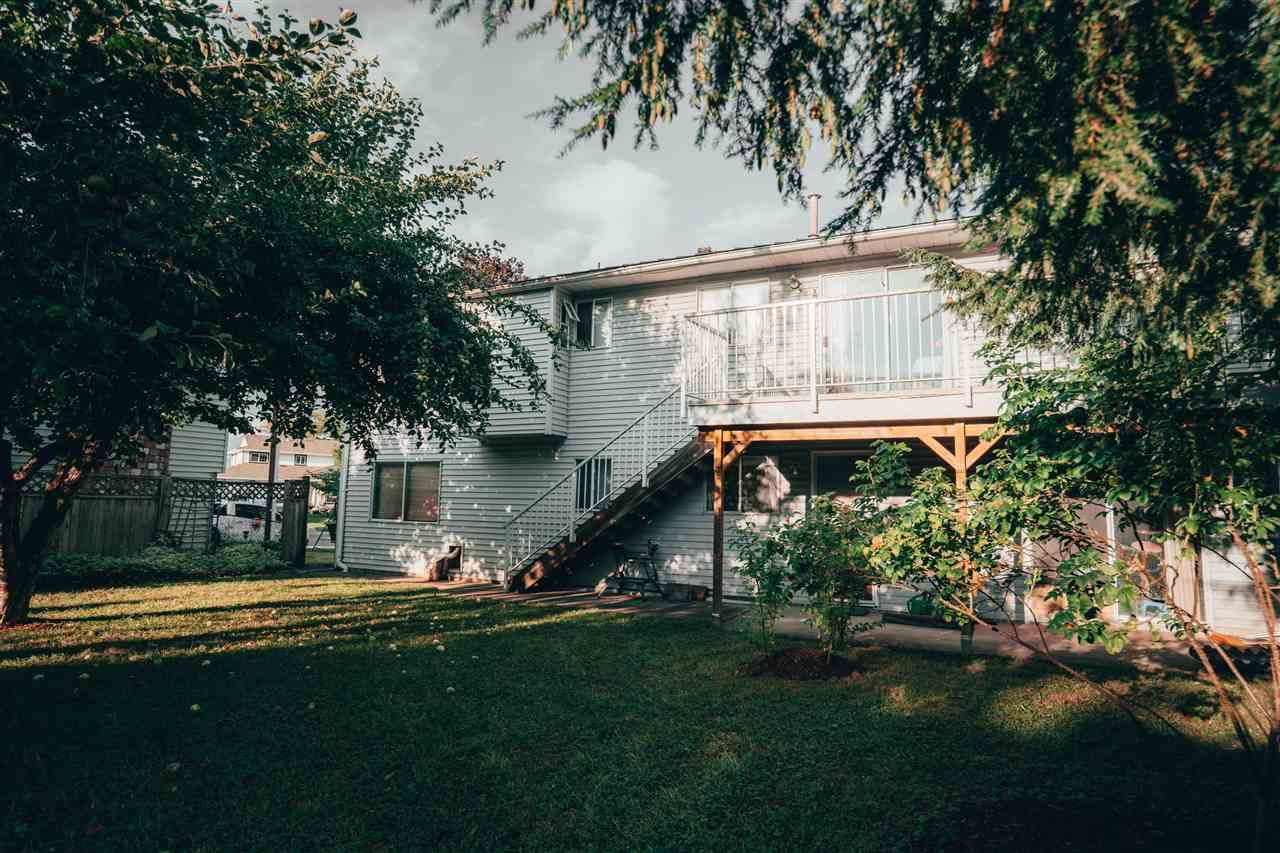 Photo 4: Photos: 3655 FIFE Place in Abbotsford: Central Abbotsford House for sale : MLS®# R2479390