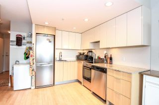 """Photo 4: 701 445 W 2ND Avenue in Vancouver: False Creek Condo for sale in """"MAYNARD'S BLOCK"""" (Vancouver West)  : MLS®# R2084964"""