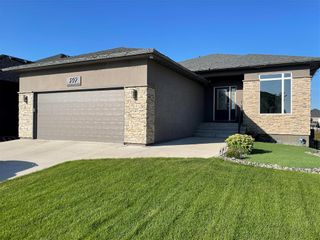 Photo 2: 197 Shady Shores Drive West in Winnipeg: Waterside Estates Residential for sale (2G)  : MLS®# 202120048