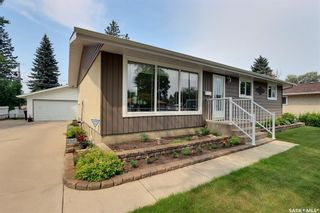 Photo 1: 2515 Steuart Avenue in Prince Albert: Crescent Heights Residential for sale : MLS®# SK864020