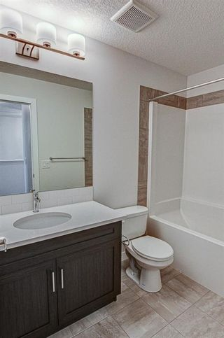 Photo 26: 132 Creekside Drive SW in Calgary: C-168 Semi Detached for sale : MLS®# A1144861