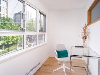 """Photo 8: 305 921 THURLOW Street in Vancouver: West End VW Condo for sale in """"Kristoff Place"""" (Vancouver West)  : MLS®# R2580196"""